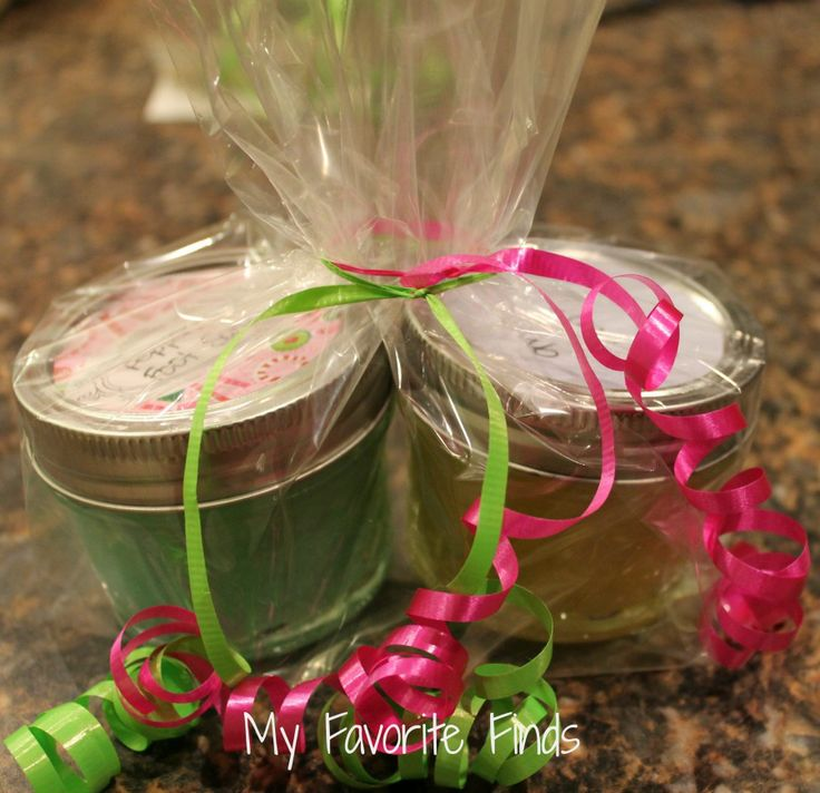 Lemon Hand and Peppermint Foot Scrubs {Homemade Christmas Gifts} | My Favorite FindsMy Favorite Finds
