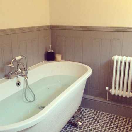 Gemma Westons SnapAndShare Of Her Traditional Bathroom Its A Classic With Stunning