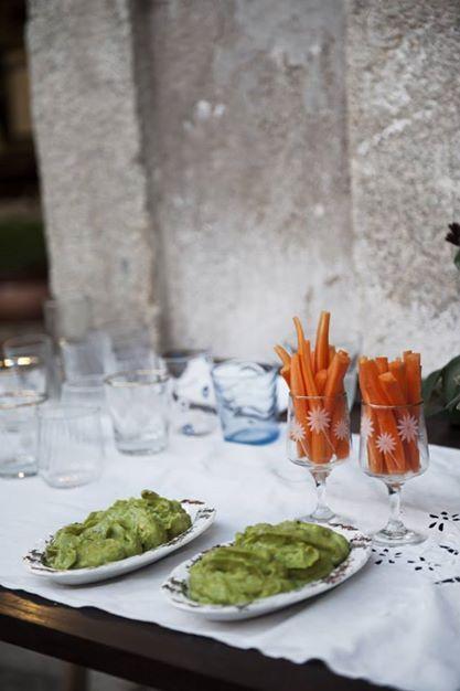 humus + carrot