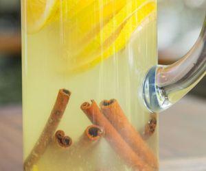 Água aromatizada de laranja e gengibre com canela
