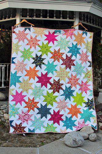 Stars and Park Slope!: Quilts Patterns, Bright Stars, Interlocking Stars, Prints Fabrics, Stars Patterns, Stars Quilts, Wonki Stars, Penelope Quilts, Quilts Ideas