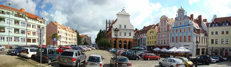 The Old Town, Szczecin was rebuilt in the late 1990s, consisting of new buildings, some of which were reconstructions of buildings destroyed in World War II.