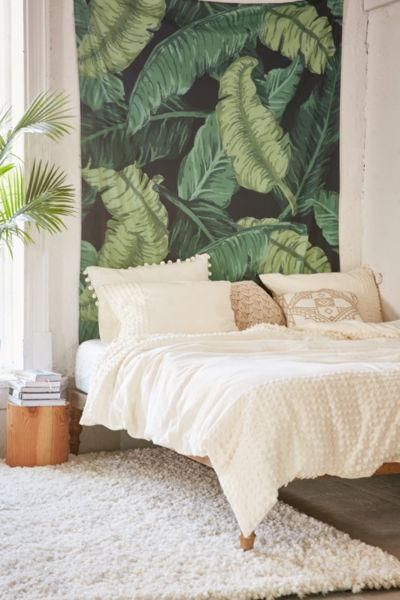 Assembly Home Banana Leaf Tapestry - Urban Outfitters Me gusta el cabecero, muy tropical