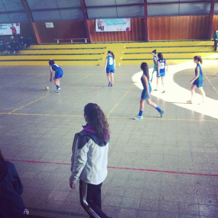 Colegio Valle del Aconcagua obtiene el tercer lugar en campeonato femenino de handbol.