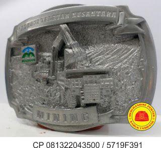 gesper tambang madhani  produksi kepala sabuk atau merchandise dari logam plakat, cincin kalung, pin material pewter info lengkap wa / sms 081322043500 atau pin bbm 5719F391