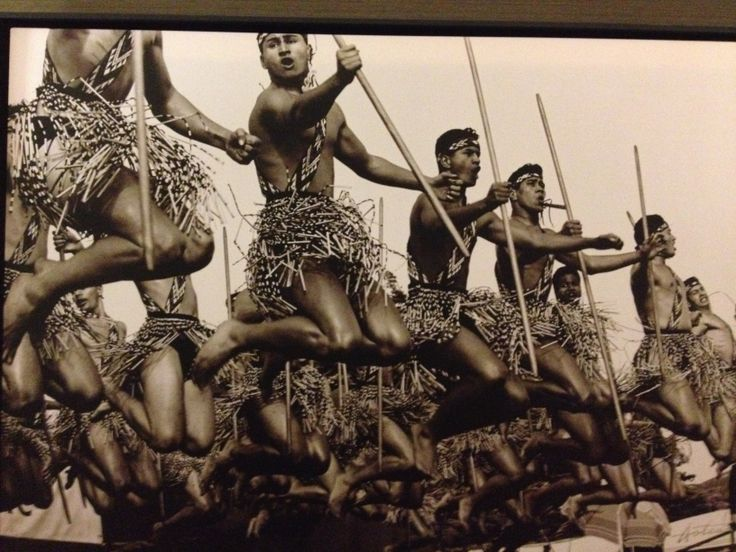 Kati took this picture of a photograph at the Hilton Queenstown when we launched our treatment products at Eforea Spa. We love to celebrate the unique cultural heritage of New Zealand #evoluskincare #Aotearoa