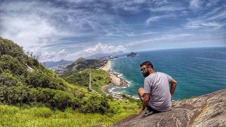 Fazendo a bonita no Mirante do Caeté, no Rio de Janeiro - Foto: Jeff Slaid