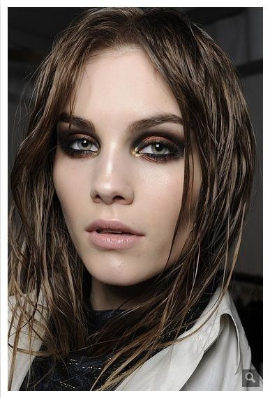 Makeup brushes tutorial click here…