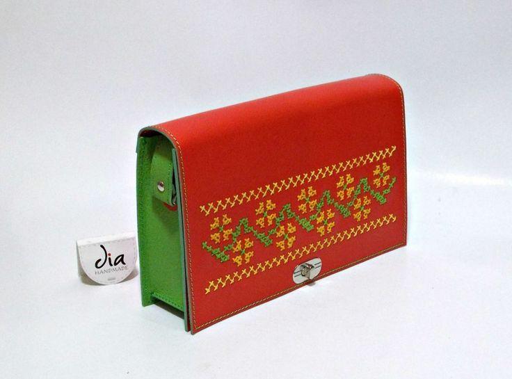220 LEI | Genti  handmade | Cumpara online cu livrare nationala, din Bucuresti Sector 1. Mai multe Accesorii in magazinul ro.shop pe Breslo.