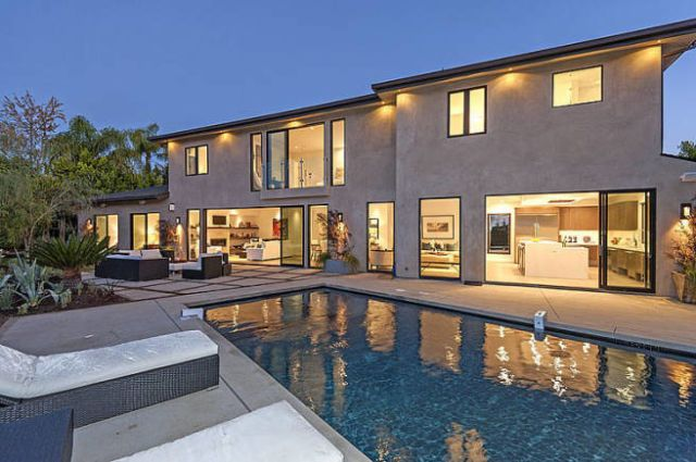 Scott Disick, House Flipper, Buys A $3.69M Mansion... That's Already Pretty Great  - ELLEDecor.com
