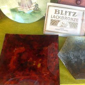 """Blitz Lackbronze - Porporine   I pigmenti metallici sono chiamati comunemente anche porporine o bronzi in polvere. Da non confondere con polveri a base di mica o con i glitter tranciati dalla plastica che spesso vengono proposti con la denominazione di """"porporine"""" ma che normalmente hanno un diverso utilizzo."""