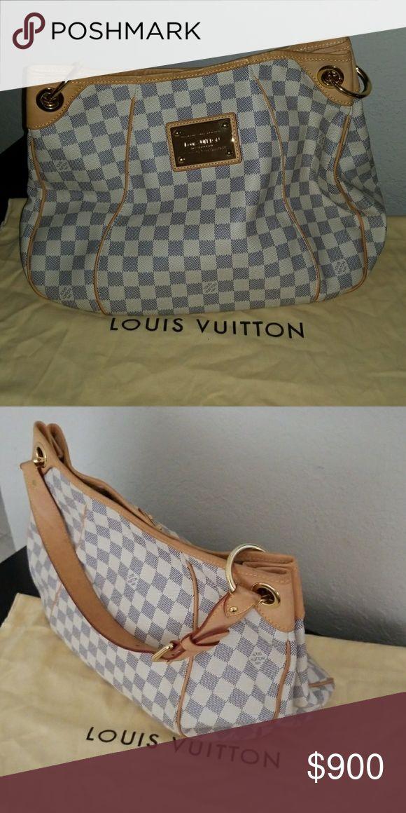 Selling  original Louis Vuiton handbag Like new Louis Vuitton Bags