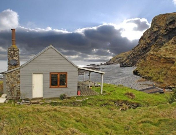 "I am so in love with this ""shack by the sea""...I am not kidding...my dream house...Beach Hut Cornwall Unique Home"