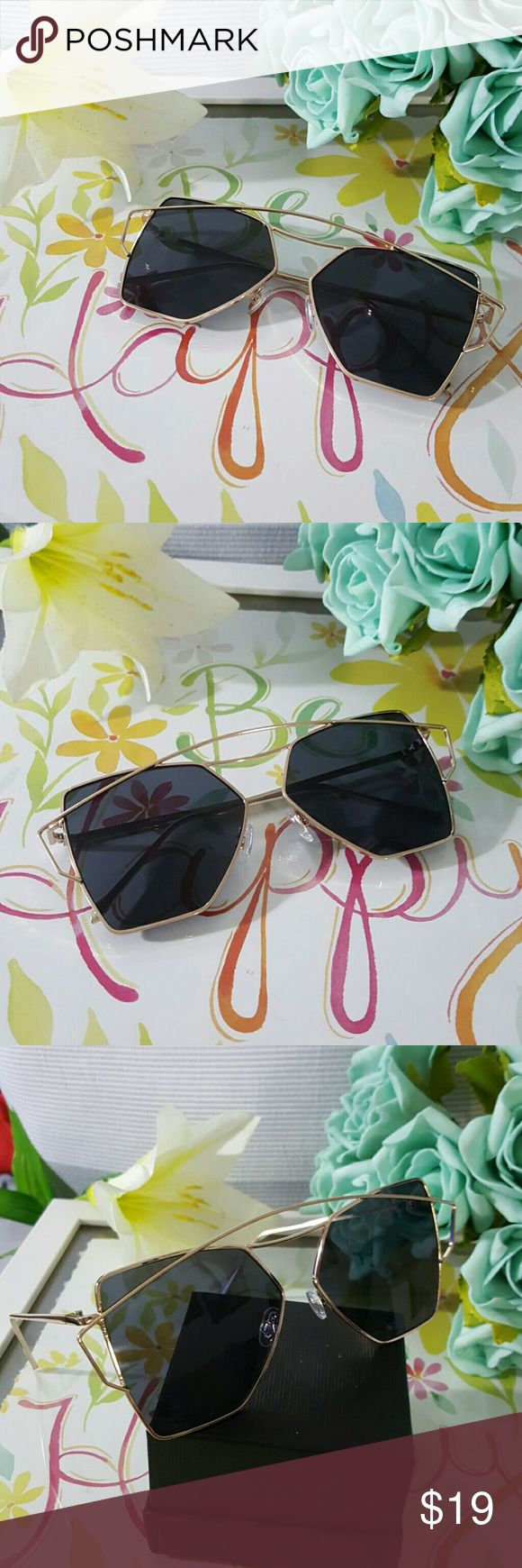NEW TRENDY CAT EYE  VINTAGE  SUNGLASSES Gold frame black lens NEW TRENDY CAT EYE  VINTAGE  SUNGLASSES Cat eye Women Sunglasses 2017 New Brand Design Mirror Flat  Vintage Cateye Fashion sun glasses lady Eyewear  58mm   ALSO AVAILABLE IN MY CLOSET. LATEX WAIST TRAINER NEOPRENE CONTROL CINCHER VEST CORSET BUTT LIFTER PADDED PANTY SWIMSUIT WOMAN MEN SUNGLASSES SILICONE BRA ADHESIVE NIPPLE COVERS PHONE Accessories Sunglasses