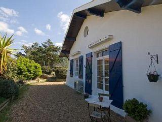 Réservez votre maison de vacances Vieux-Boucau-les-Bains, comprenant 3 chambres pour 6 personnes. Votre location de vacances Landes à partir de 130 € la nuit sur Homelidays.