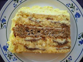 Ezt a torát anyu már sütötte egy párszor de régen már el is felejtettük.A nyáron mentünk lakodalomba és ezt a fincsi tortát sütötte.       ...