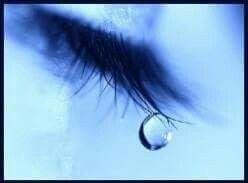 Soms voel ik ze stromen  En het gekke is Ik weet niet Of het nu tranen zijn van vreugde Of toch nog van verdriet