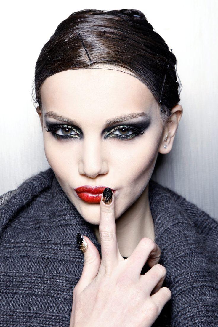 Todas las claves de las manicuras de este otoño: uñas largas para dedos finos y largos