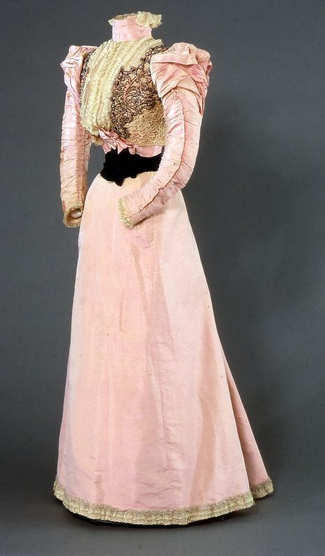 Going away attire of Princess Carl of Denmark (later Queen Maud of Norway), by Madam Leonie Duboc, 1896, at the National Museum of Art, Architecture and Design
