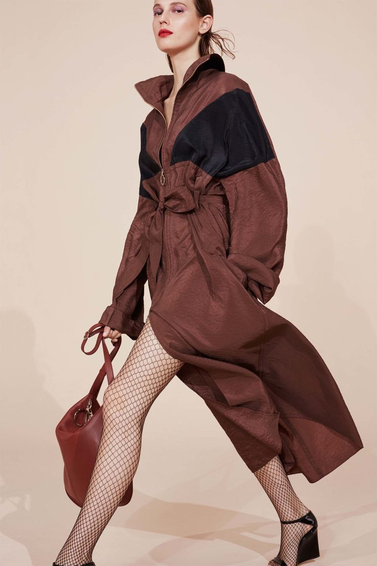 Nina Ricci Resort 2017 #totally Preferably in burgundy or navy or very dark brown, though