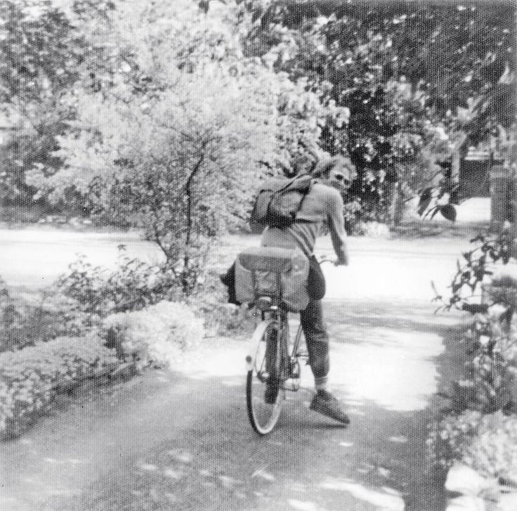 1976. self setting out for 8 days Push bike ride to Penzance, against the SWesterly, all the way, my late Mother took the photo, at 62, Ridgeway road, Timperley, Cheshire.