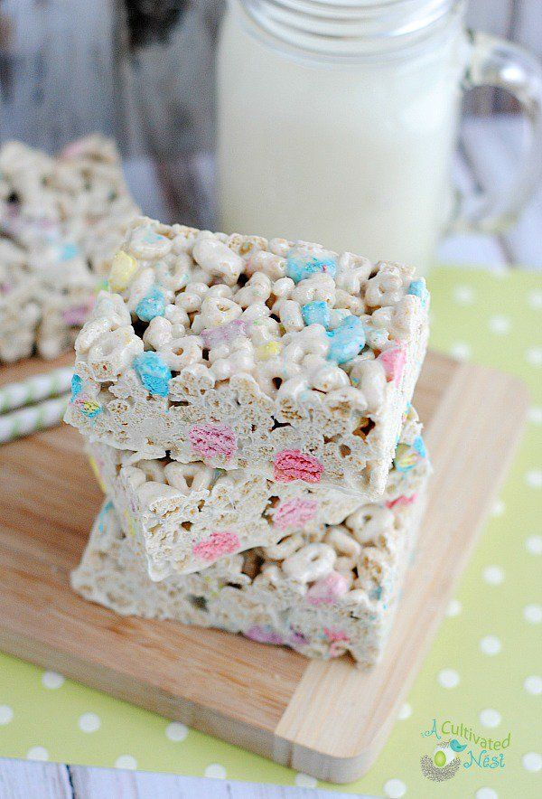 Homemade Lucky Charms Treats - This is such a cute treat to make for St. Patrick's Day or for anyone that loves that cereal.