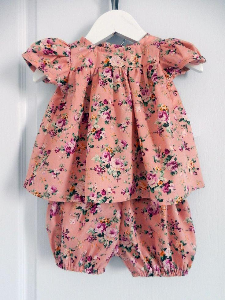 Ensemble bébé blouse et bloomer vieux rose imprimé roses- 18 mois Duchesse Or Ange