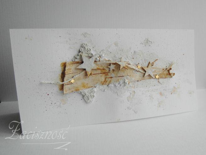 Ręcznie robiona kartka świąteczna z kawałkiem kory i tekturowymi gwiazdkami/ Handmade Christmas card with piece of bark and chipboard stars