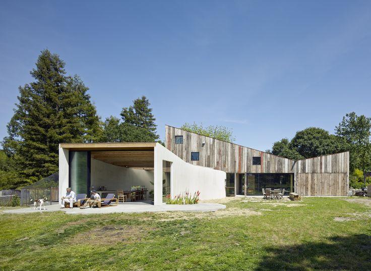 Estudio y taller para un artista, en Sonoma #remodelación  Mirá la galería completa en