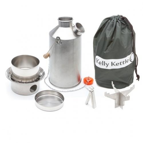 Kelly kettle Camp pipekjele  Kelly kettle Camp er den store kokekjelen som rommer hele 1,5 liter vann og tilpasset deg som trenger strre kapasitet for hele familier eller turlag. Pipekjelen er for effektiv oppvarming av vann og matlaging p familie-camping, biltur, hyttetur, tur i utmark, bttur og for alle dere som liker og tilberede mat ute. Du fyrer raskt opp med smpinner, kvister eller noe annet du mtte finne, hva med trket kamela...