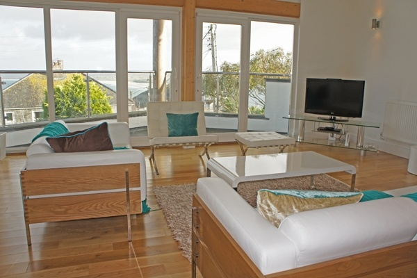 Love the sleek decor in this beautiful seaside holiday home.  #self catering #Cornwall #St Ives