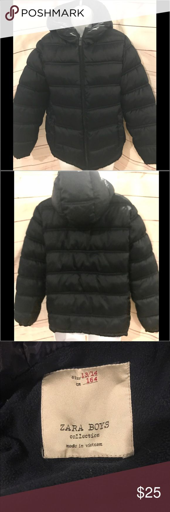 "Zara Boys Collection puffer coat Zara Boys Collection puffer coat. Navy blue, fully lined, and hooded.  Full zip up, 100% poly.  2 front pockets, excellent condition.   25"" long 19"" across chest.  Size is boys 13/14.  This could easily fit a women's small.    Item #328 Zara Jackets & Coats Puffers"