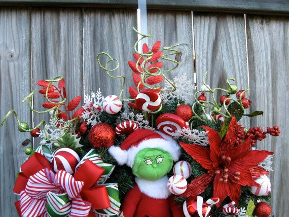 SALE Grinch Christmas Pre-lit Wreath Grinch plush Extra
