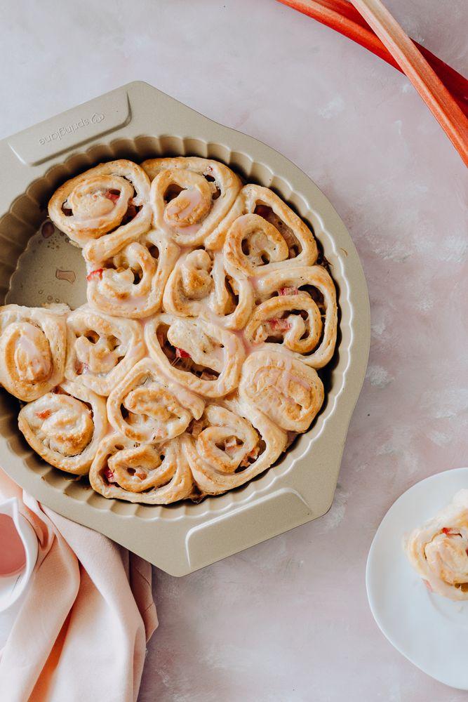 Veganer Schneckenkuchen Mit Rhabarber Cheesecake Fullung Rezept Schnecken Kuchen Schneckenkuchen Und Backideen