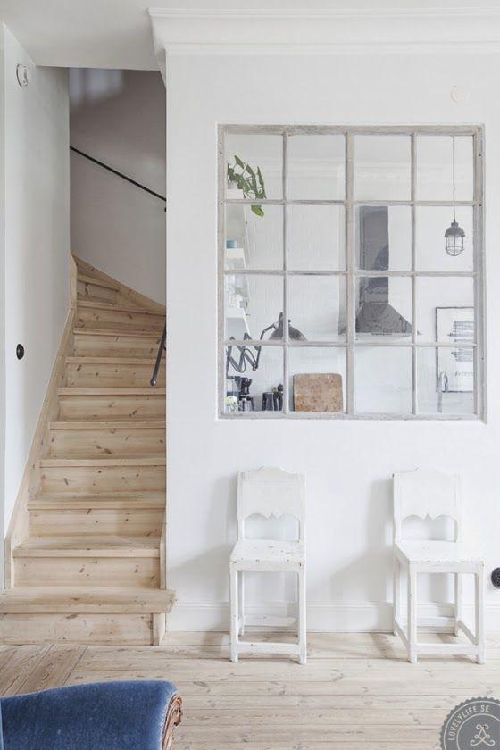 img_3844大きな室内窓があれば、フォトフレーム代わりに窓の向こうにある部屋の景色を飾ることもできます。