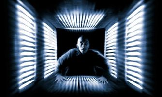 공포 영화 [큐브], 18년만에 헐리우드가 리메이크한다