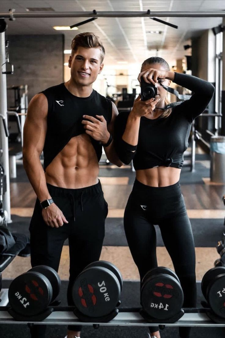 Fit Couples That Sweat Together Stay Together Here S How I Am Co Fit Couples Gym Pictures Fitness Inspiration