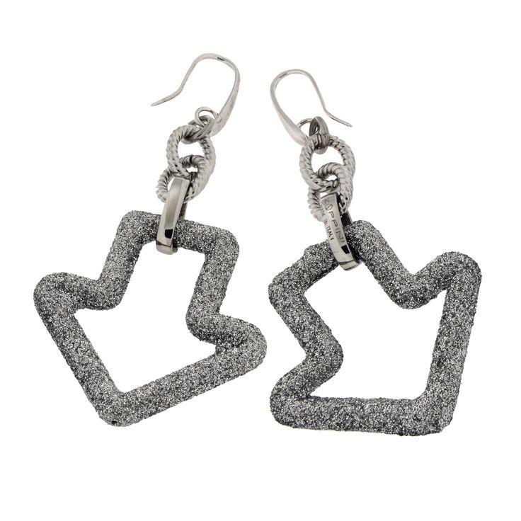 Earrings with arrow