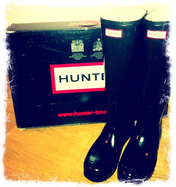 hunter, boots, rainboots, vlack boots, rainy days, rain, bad weather
