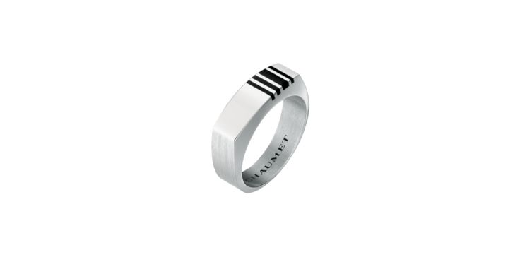 Chaumet Dandy ring    Dandy men's ring in 18-cara polished and fine-brushed white gold and bayadère stripes in black lacquer  Reference : 080638