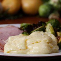 Aligot (Cheesy Potatoes) // #potatoes #cheesy #aligot #sidedish
