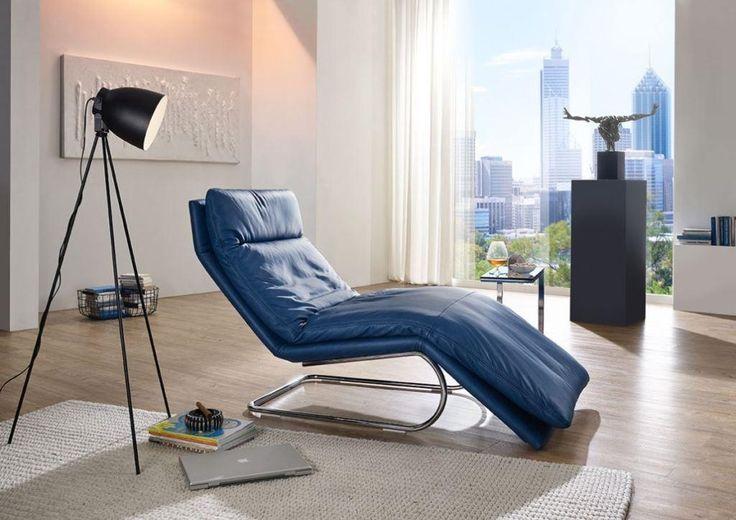 Liege Daily Dreams 47003 in   dark blue / dunkelblau. Diese hochwertige Liege von Willi Schillig aus der Serie Daily Dreams verführt Sie glatt zum Tagträumen. Sie ist äußerst flexibel und revolutioniert Ihren Liege-/Sitzkomfort. #liege #sessel #blau #relaxliege #wohlfühloase