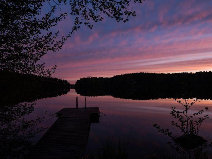 #vähäkamponen #lake #finnishlakes #discoverfinland #lakesoffinland #finland #järvi #järvimaisema #suomenluonto #luonto #sunset #auringonlasku