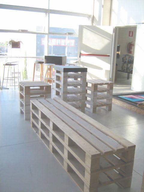 Panche, sgabelli e tavolini con i bancali