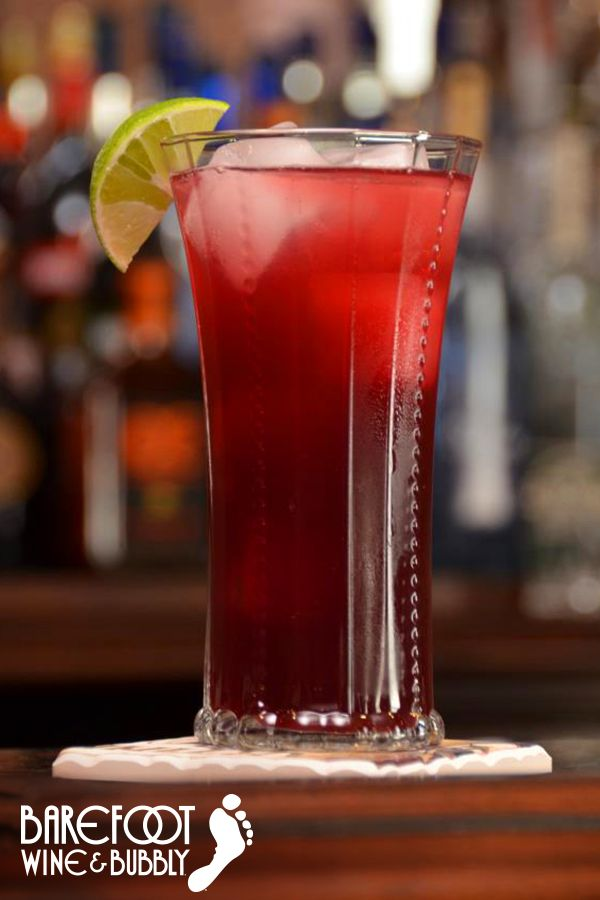 Red Moscato Mingle Recipe // Pour equal parts of Barefoot Red Moscato, blueberry-pomegranate juice and ginger ale over crushed ice. Add a heavy splash of lime juice and stir. Garnish with a wedge of lime. Cheers!