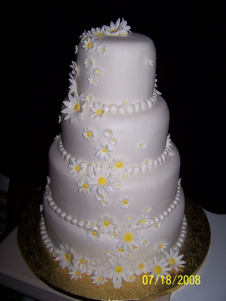 daisy wedding cakes pictures 17 best images about wedding cake ideas for stacey on 13315