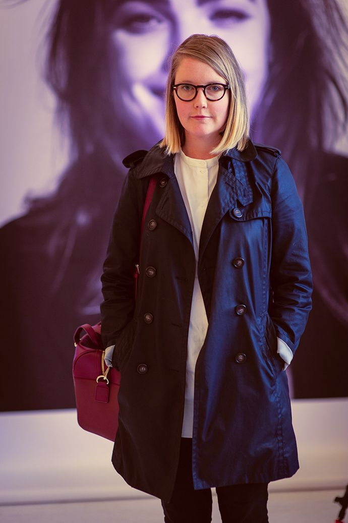 We were taken with the cool circular tortoiseshell frames on this guest at HUFFER which complemented her preppy look. #NZFW