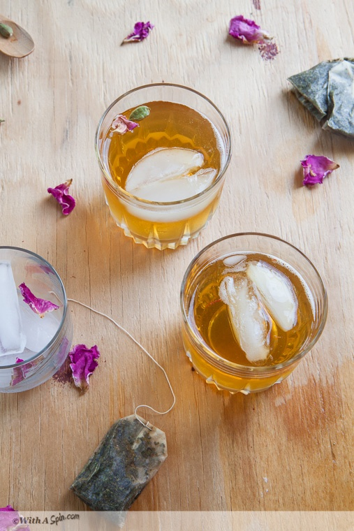 Exotic Iced Tea Recipe | cardamom infused green tea with rose-water, honey and a hint of saffron: Rose Water, Ice Teas Recipes, Sip, Free Food, Green Teas, Beverages, Juice Drinks, Cardamom Infused, Serving Hot