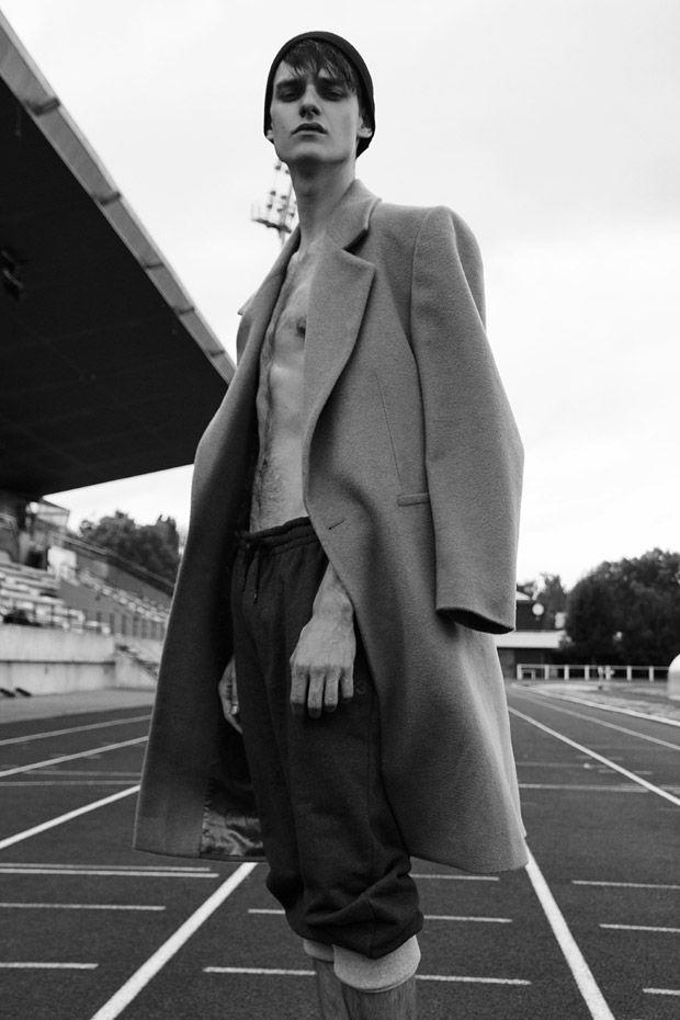 Douglas Neitzke by Ricky Cohete for L'insolent