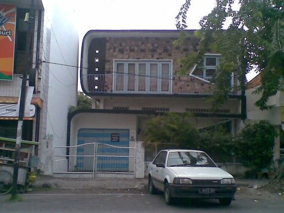 Rumah jengki di daerah Ampel, Surabaya